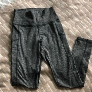 Play Pocket High-Waisted 7/8 Leggings